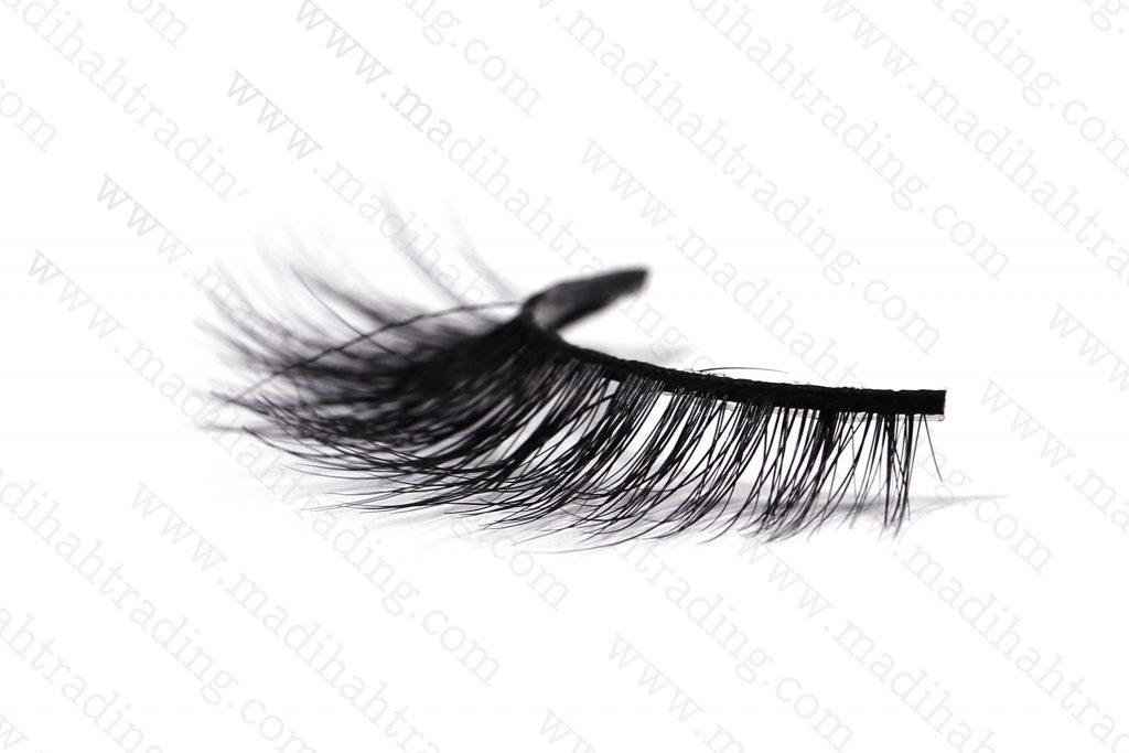 Madihah Trading wholesale 3d mink eyelashes wish try on.