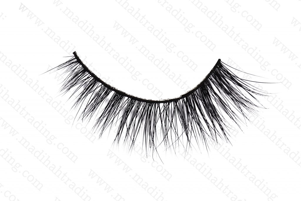Madihah Trading supply 3d mink lashes try on.