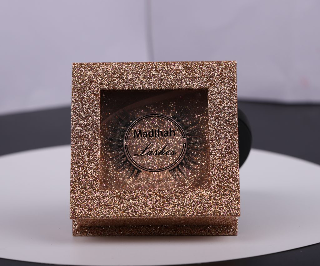 Madihah wholesale real mink eyelashes packaging in china.