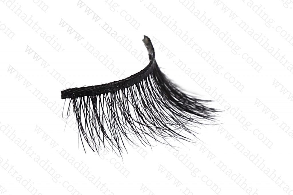 Madihah 100% handmade cruelty free horse tail eyelashes wholesale.