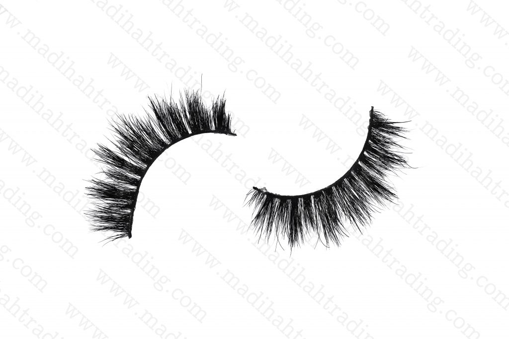 Madihah horse fur siberian mink lashes review.
