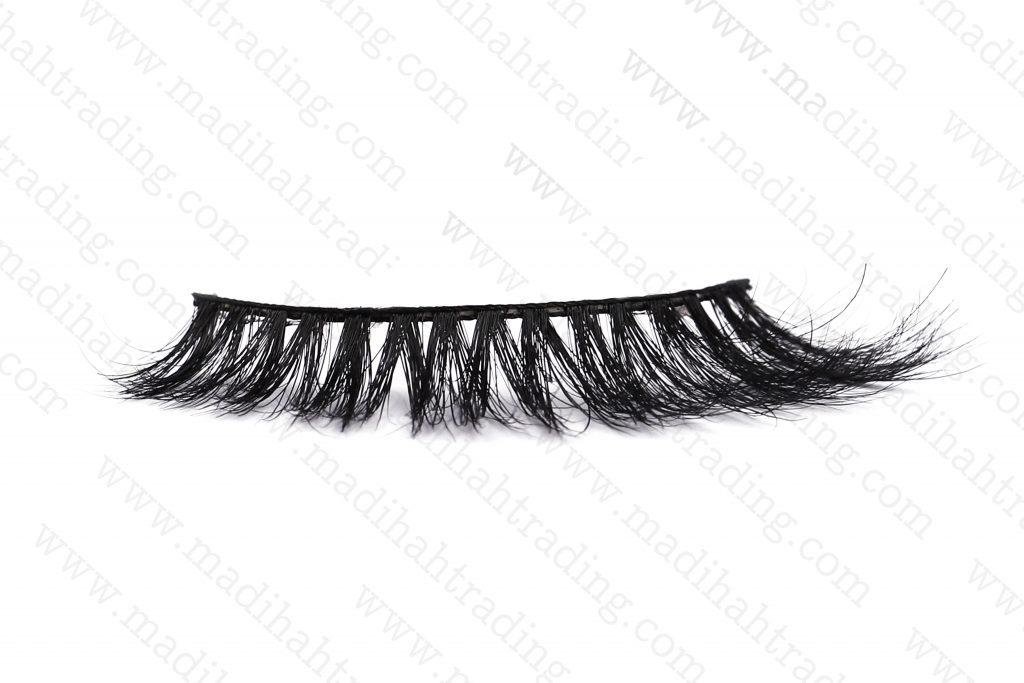 Madihah custom horse hair eyelash manufacturer.