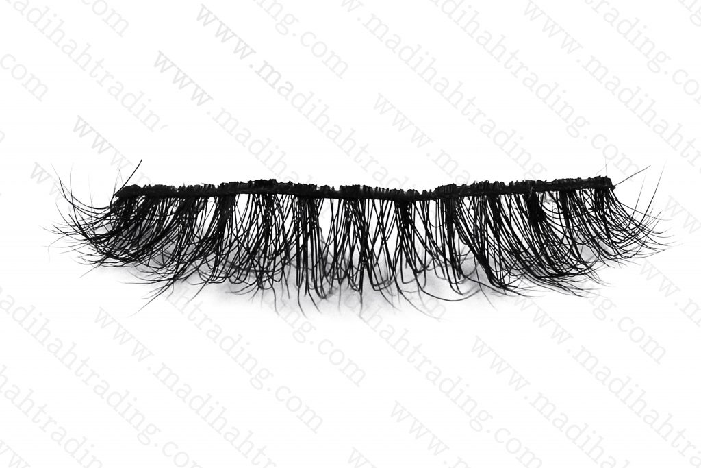 Madihah wholesale mink lashes and packaging.