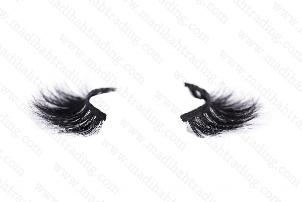 Madihah supply the horse fur lashes to the korean eyelashes suppliers.