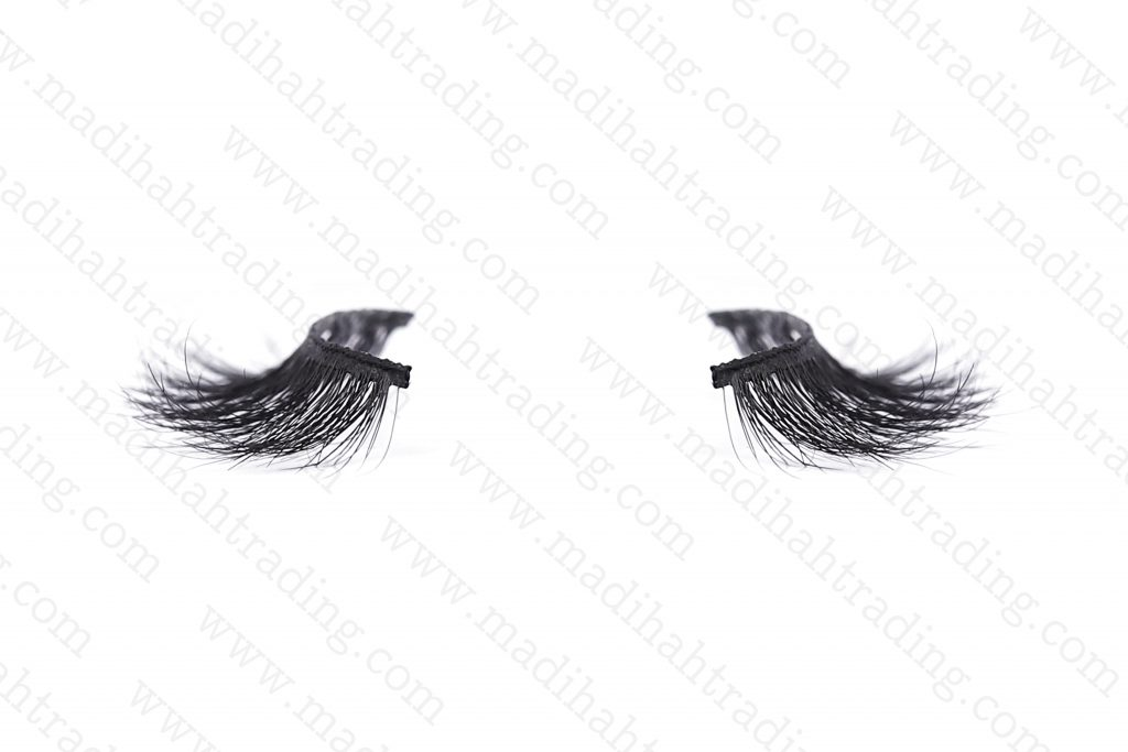 Madihah supply the horse hair lashes to the korean eyelashes manufacturers.