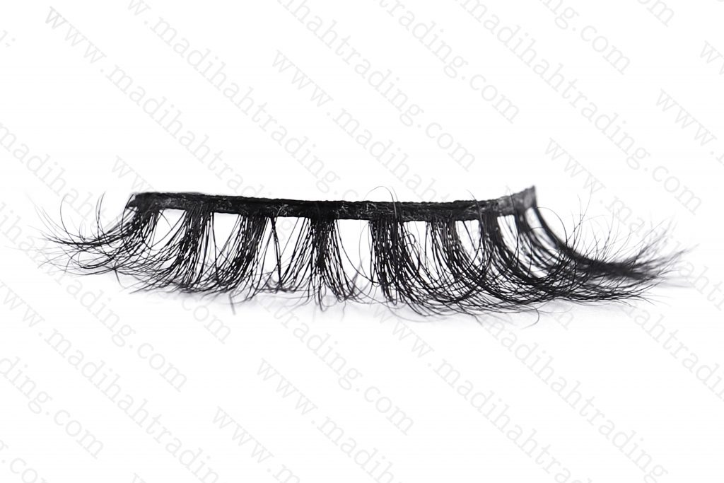 Madihah dropshipping the 3d horse hair mink lashes wish items to the custom horse fur lash manufacturers korea.