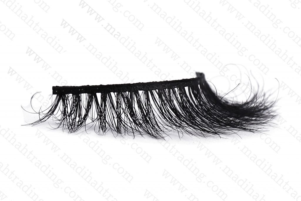 Madihah dropshipping the 3d horse hair mink eyelashes ebay items to the hors hair eyelash manufacturers in india.