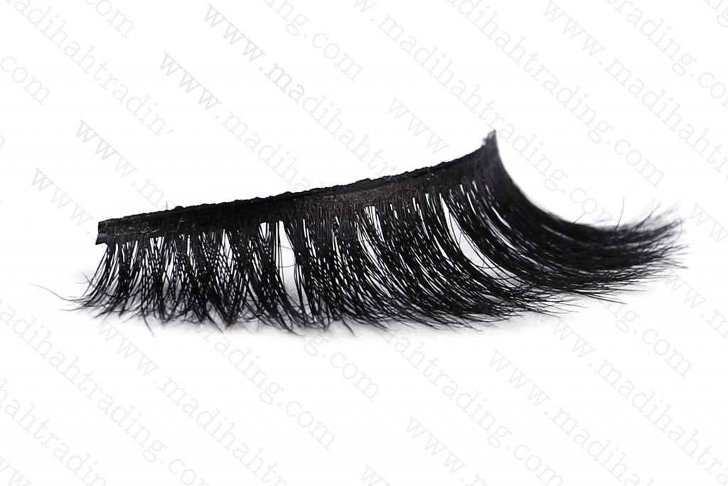 Madihah dropshipping the 3d horse hair mink eyelashes ebay items to the horse hair eyelash manufacturers in india.