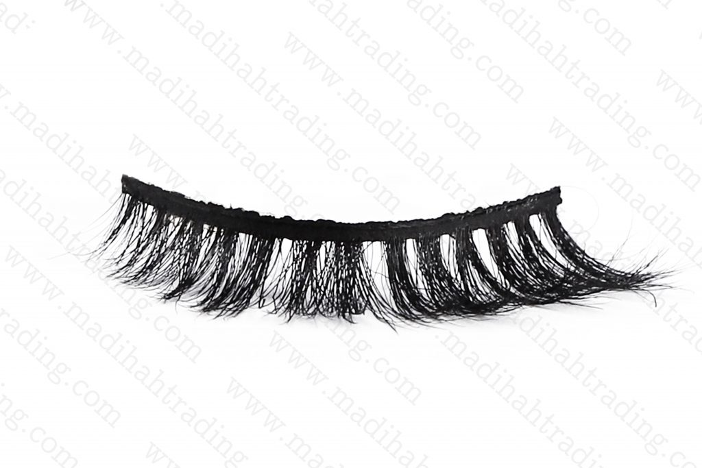 Madihah dropshipping the 3d horse hair mink eyelashes ebay items to the horse hair eyelash manufacturers in india.