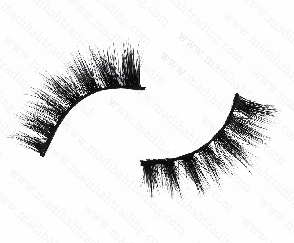 Madihah dropshipping the best 3d mink eyelashes to the lash manufacturers usa.