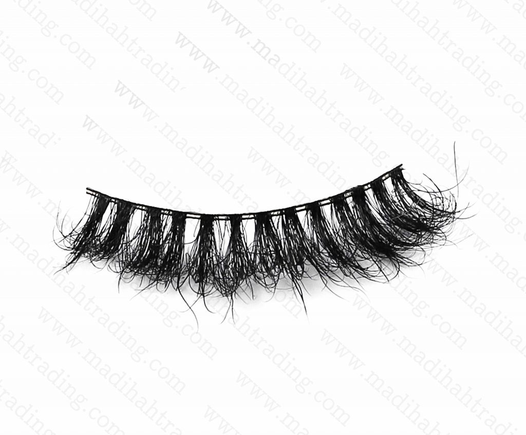 Madihah dropshipping the 3d mink lashes wish items to the custom lash manufacturers korea.