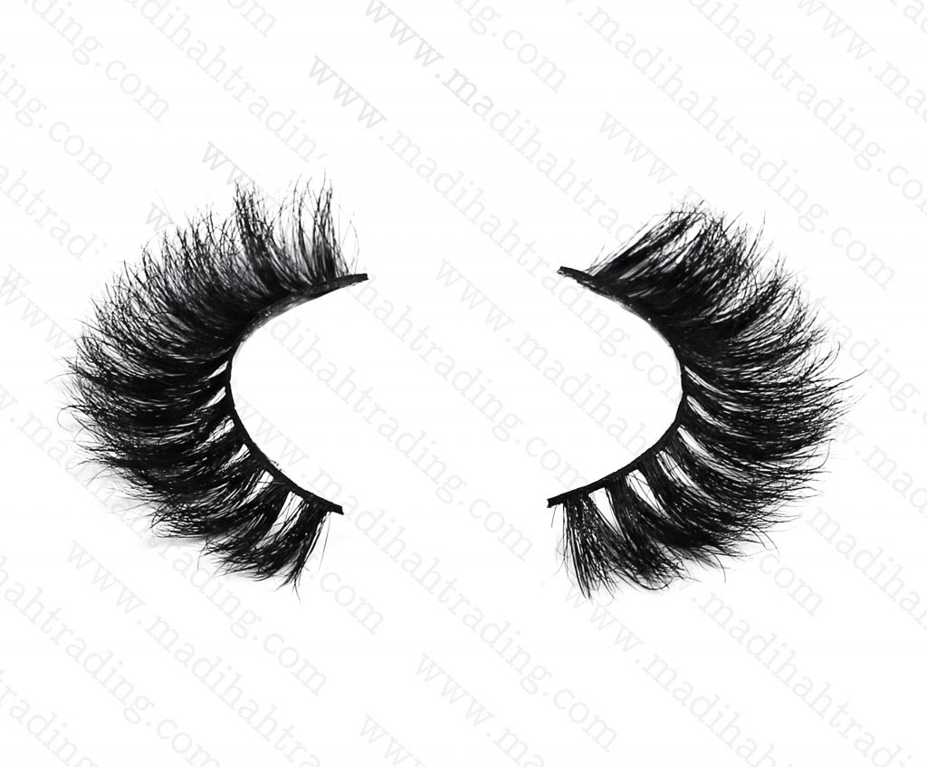 Madihah provide the premium mink lashes wholesale to the strip lashes vendors.