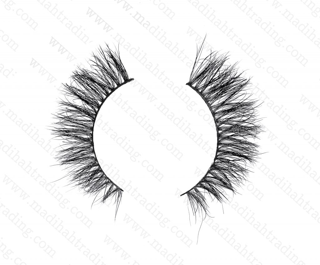 Madihah dropshipping the 3d siberian mink lashes to the eyelash manufacturers uk.