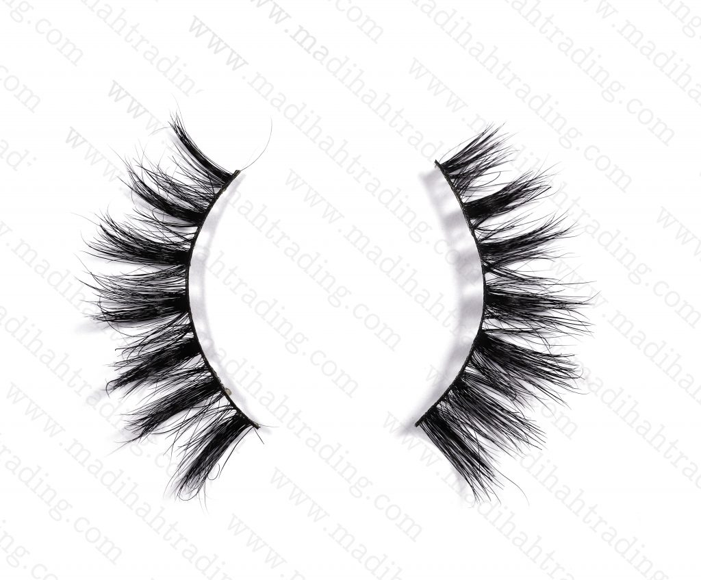 Madihah supply 3d mink lashes beauty supply wholesale to the 3d mink eyelashes amazon seller.