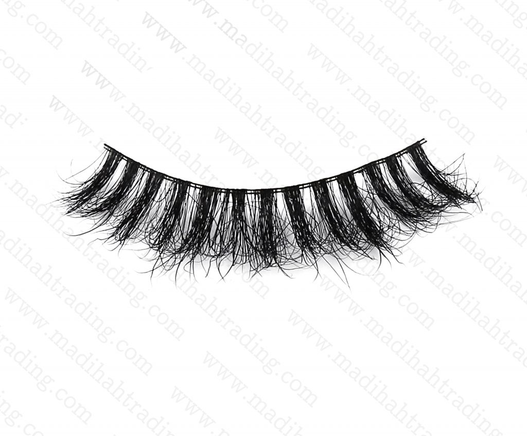 Madihah dropshipping the 3d siberian mink lashes to the eyelash manufacturers uk.