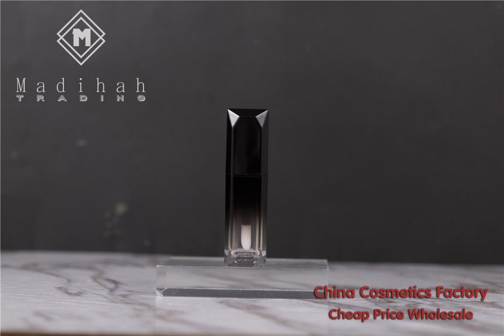 Madihah empty lip gloss tube 02