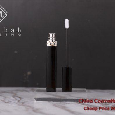 Madihah empty lip gloss tube 03